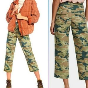 FREE PEOPLE Remy Camo Highwaist Cropped Pants